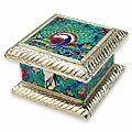 a royal dance white metal jewelry box