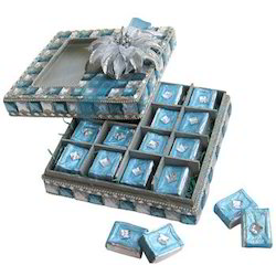 deluxe-blue-n-silver-crystal-box-with-exotic-choco-dynabites